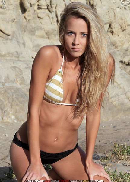 45surf_swimsuit_models_swimsuit_bikini_models_girl__45surf_beautiful_women_pretty_girls077