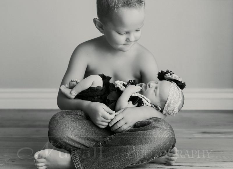 Natalie Newborn 08bw.jpg