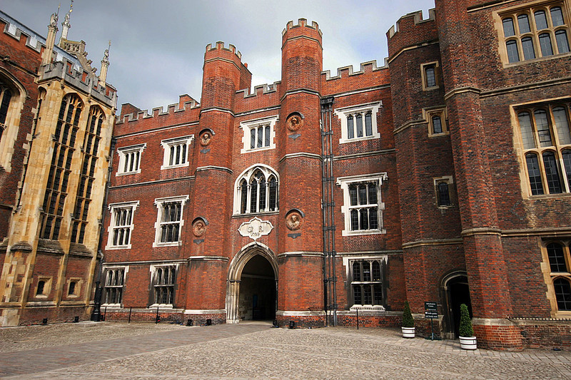 _Richmond_Hampton_Court_Palace.jpg