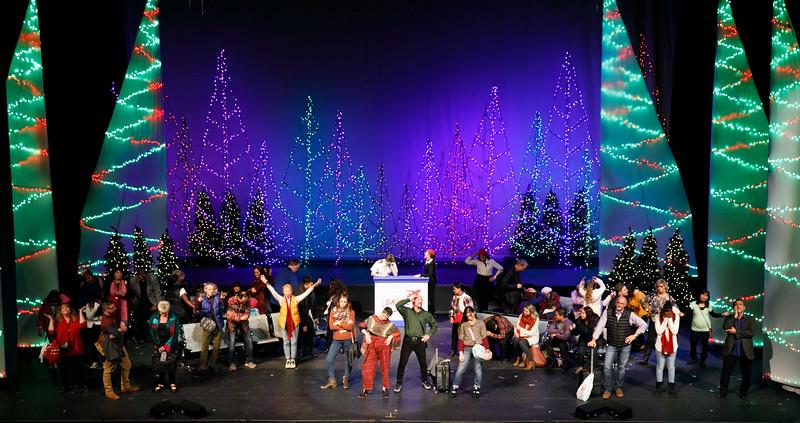 3C-Christmas-12-13-2019--151-0231.jpg