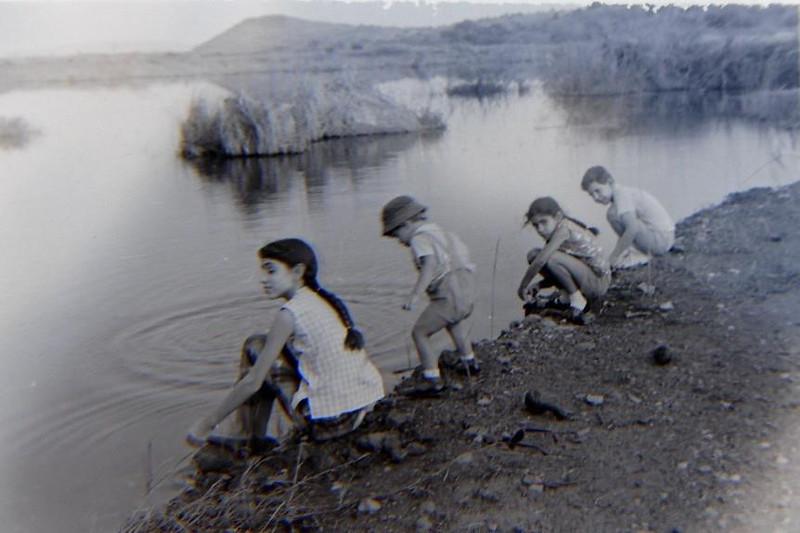 Filhas do enf. Carmo- Antonieta, Gisela, e filhos do Venancio - Ivo e Jean Claude