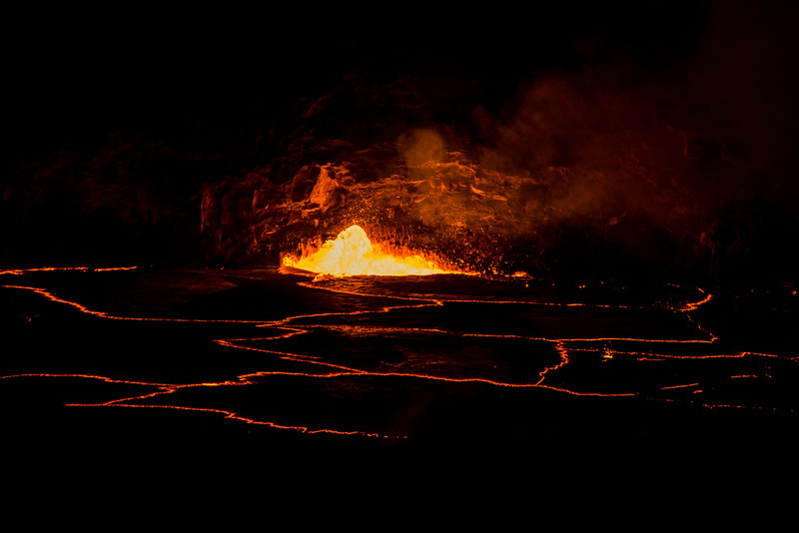 volcano eruption Halamaumau Crater LRE -3695.jpg