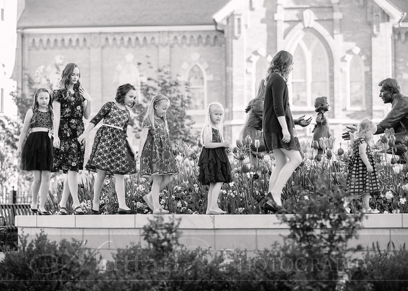 Hirschi Girls 066bw.jpg