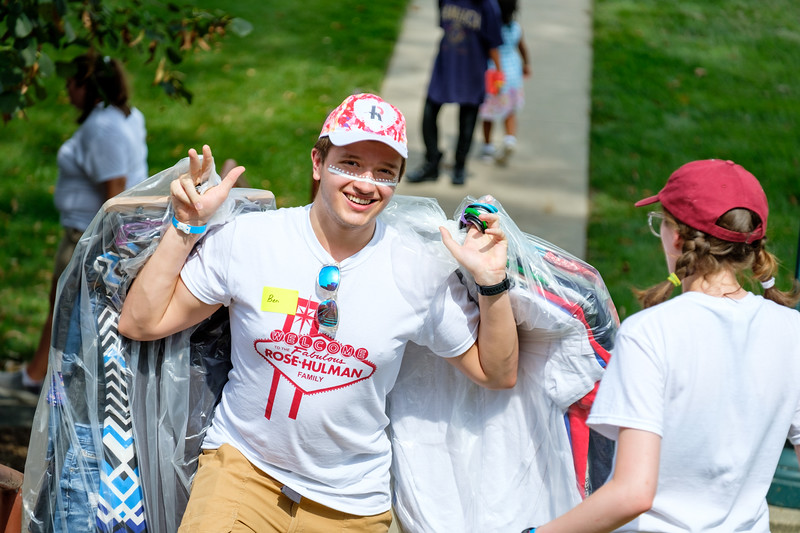 RHIT_Freshman_Move_In_Day_2019-7016.jpg