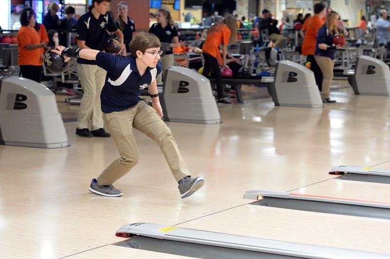 boys_bowling_9781.jpg