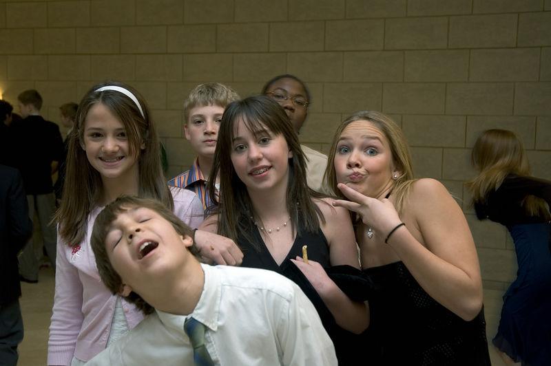 Kelly, Jack, Eli, Alesha, Grant, and Julia   (Dec 03, 2005, 01:54pm)
