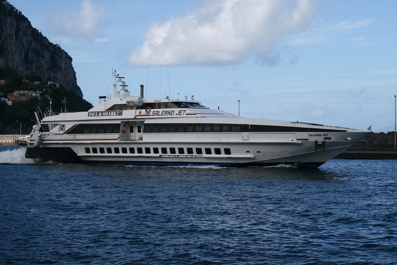 2009 - HSC SALERNO JET departing from Capri.
