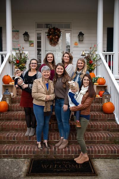 2019 November Ellis Family-201-161.jpg
