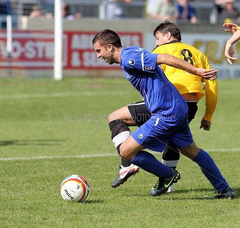 CHIPPENHAM TOWN V MANGOTSFIELD  UNITED MATCH PICTURES