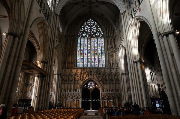 York - Walking on the medieval walls, York Minster