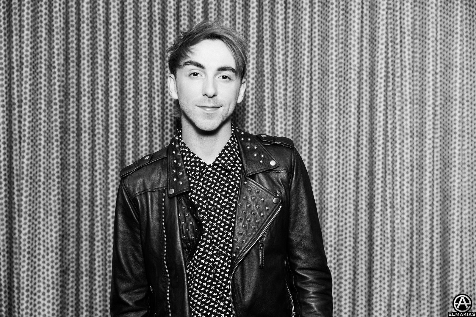 Alex Gaskarth of All Time Low at the APMAs 2015 by Adam Elmakias