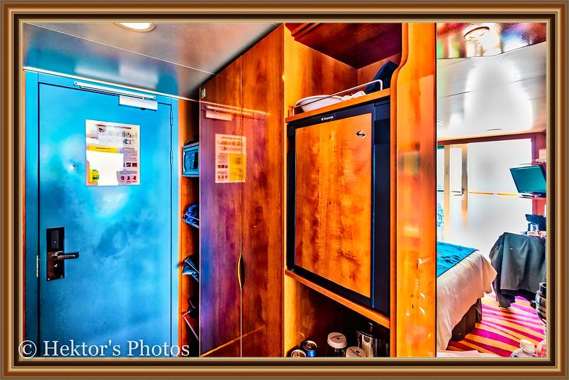 Stateroom 10024-7.jpg