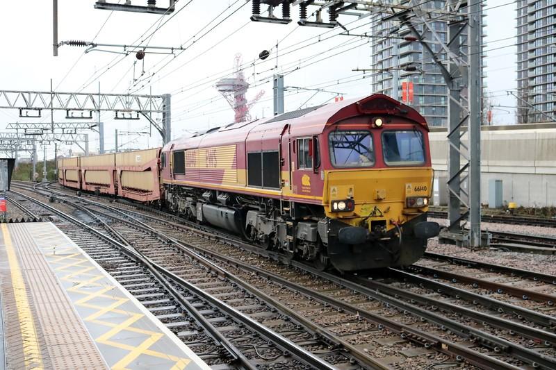 66140 1125/6L35 Mossend-Dagenham diverted through Stratford