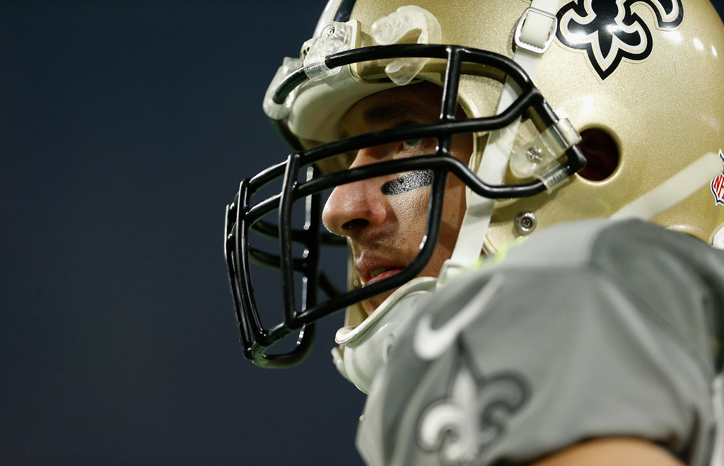 . GLENDALE, AZ - JANUARY 25: Team Carter quarterback Drew Brees #9 of the New Orleans Saints on the sidelines during the first half of the 2015 Pro Bowl at University of Phoenix Stadium on January 25, 2015 in Glendale, Arizona.  (Photo by Christian Petersen/Getty Images)