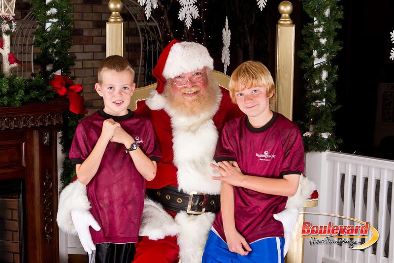 Santa Dec 8-237.jpg