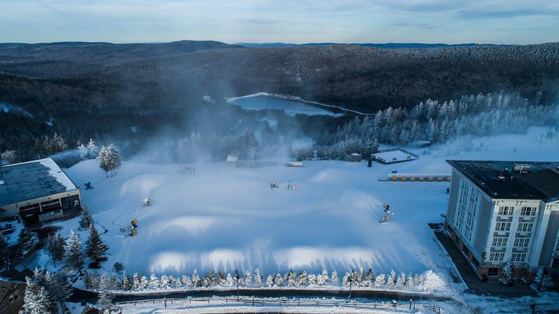 Snowmaking 1920-0007.jpg