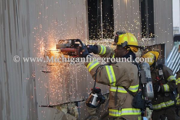 3/25/18 - Lansing commercial building fire, Spring St & River St
