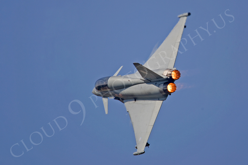 AB - Typ 00010 Eurofighter Typhoon British RAF by Tony Fairey.JPG