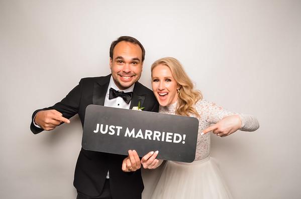 Emily & Mauri's Wedding Photo Station