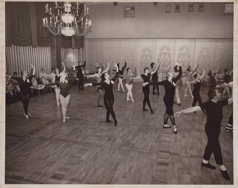 Dance_1032.jpg