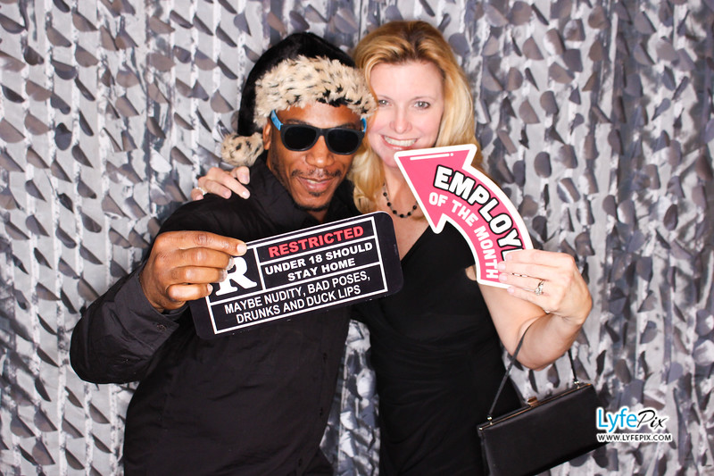 red-hawk-2017-holiday-party-beltsville-maryland-sheraton-photo-booth-0269.jpg