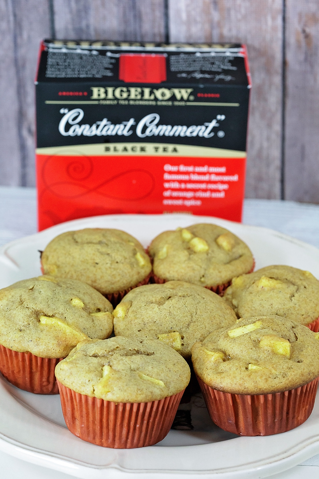 How do you #TeaProudly? Constant Comment gives us a chance to sit back and enjoy the good stuff - like a #recipe for Pumpkin Apple Muffins! #ad #TeaProudly