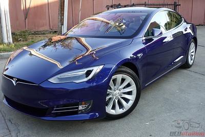 Tesla Model S - Deep Blue Metallic