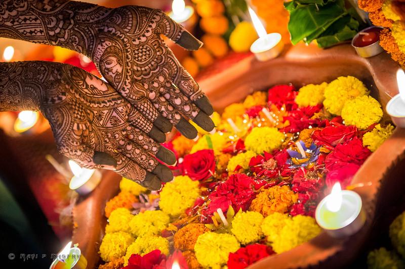 Jay Pooja Mehandi-170.jpg