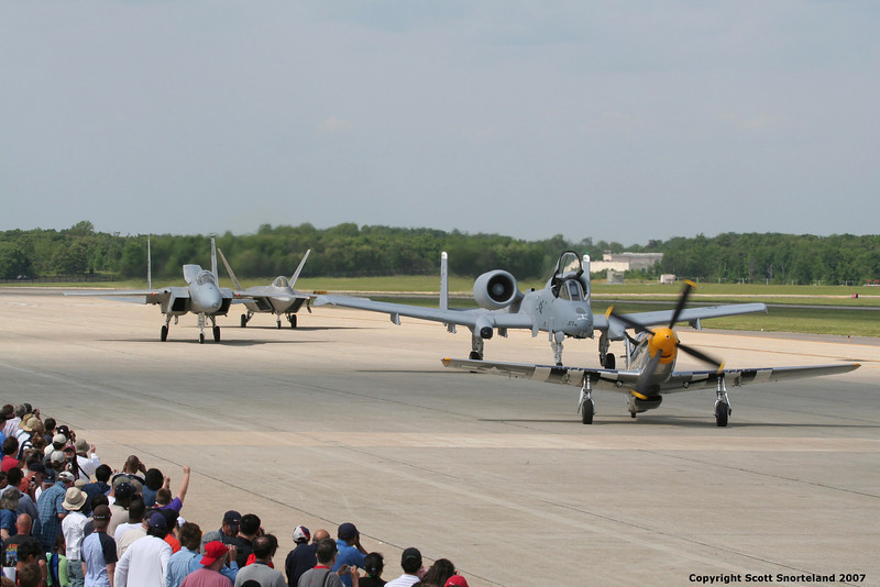 a The Heratige flight taxis past the crowd wst.jpg