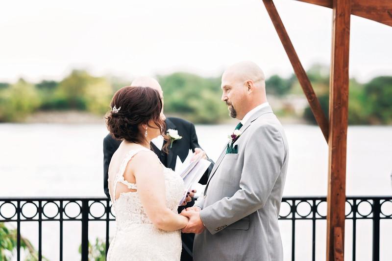 chateau-on-the-river-trenton-michigan-wedding-0291.jpg