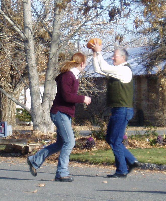 Thanksgiving @ Bobbi's -- 2004