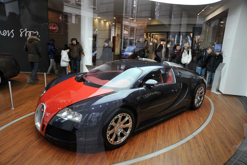 Bugatti Veyron in the Bugatti showroom off Unter Den Linden, Berlin.