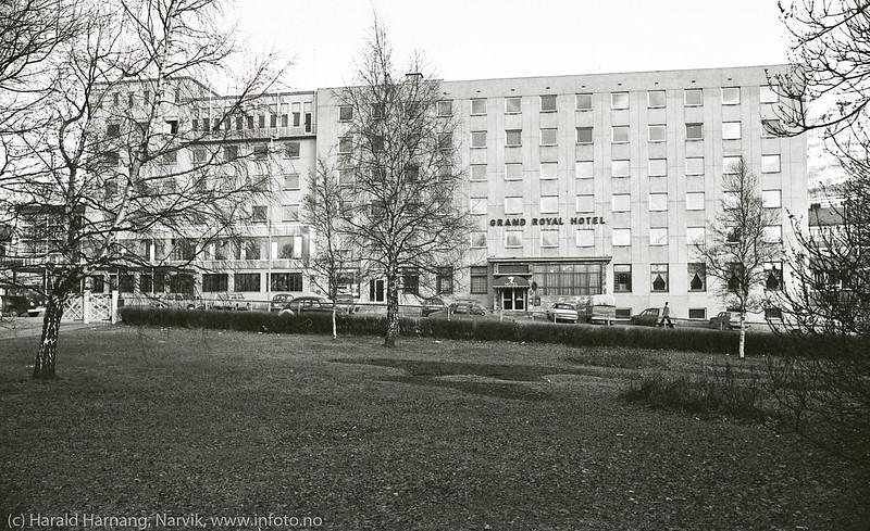 Narvik sentrum, vårdag 1980