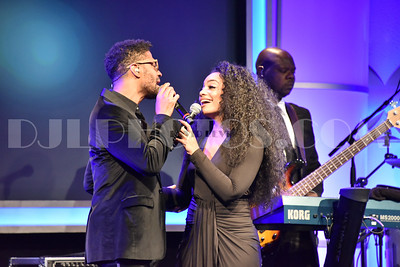 Eric Benet and Jessica Jolia perform at the Brotherhood Crusade 2015 Pioneer of African American Achievement Award Dinner