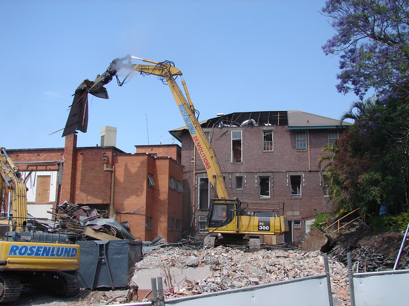 Chaplin Building demolition 006.jpg