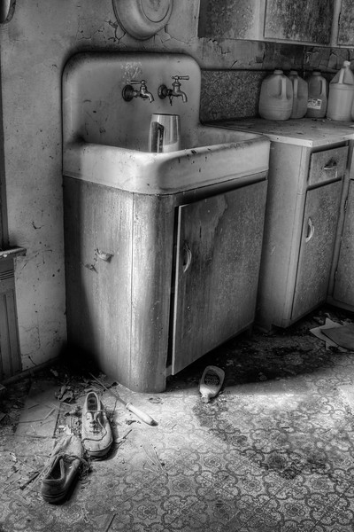 MO Fayette Kitchen BW.jpg