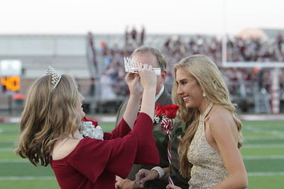 whitehouse-high-school-crowns-homecoming-king-and-queen