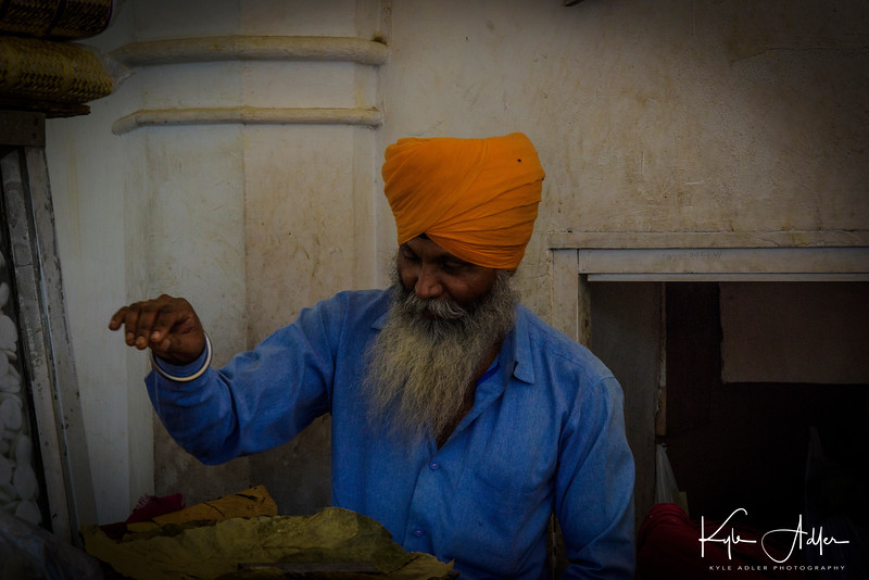 Visiting a Sikh temple where 8000 meals per day are served to Delhi's needy families.