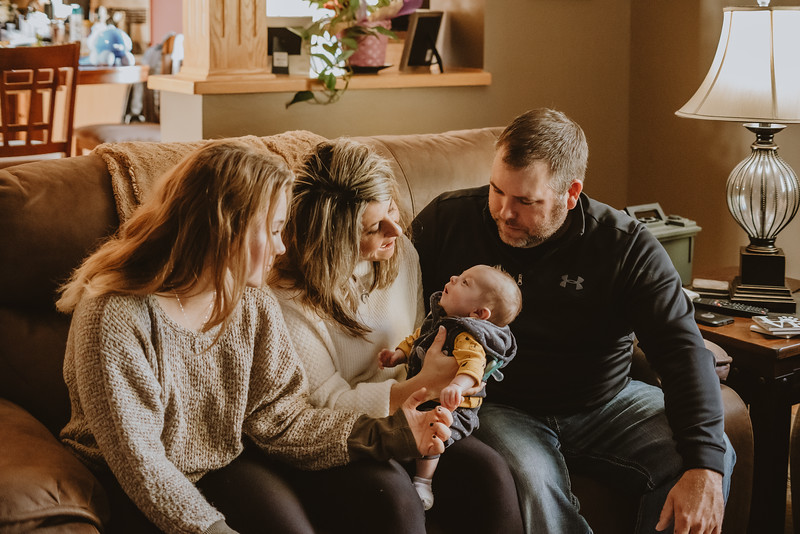 Lavoi Newborn Family Session