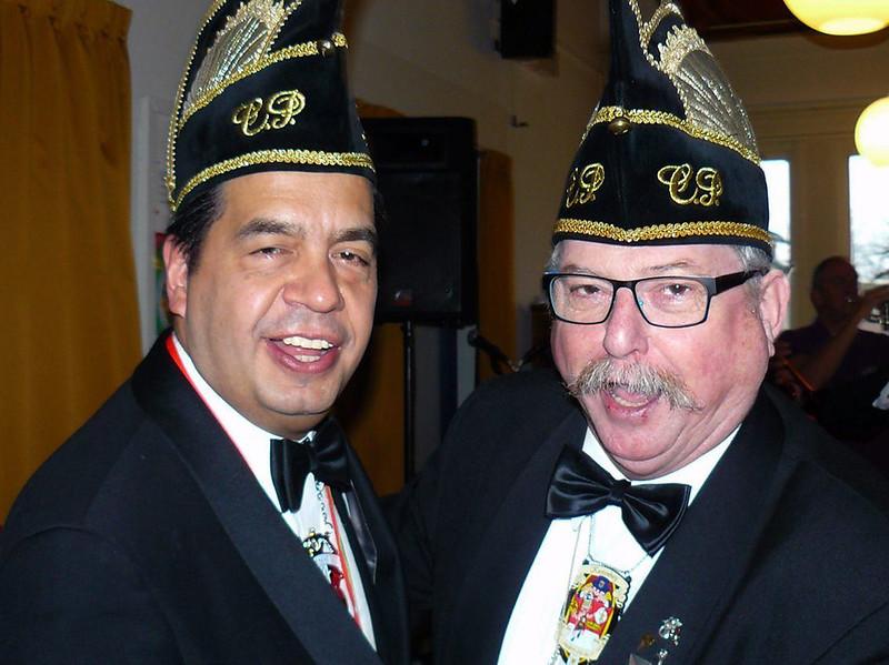 Chefke P. Patrick Molenmans, links en Chefke P.  Geert Alwicher