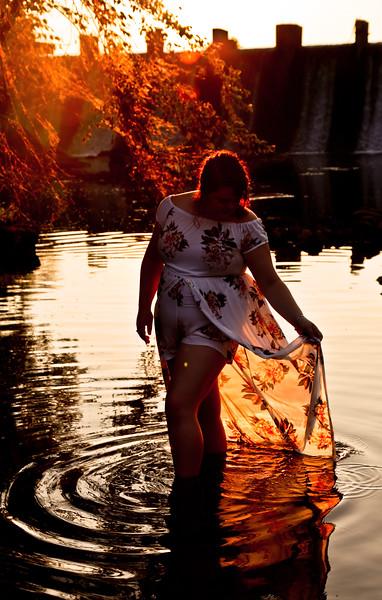 KatieHowardSeniorPhoto-waterskirt.jpg