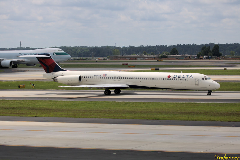 MD-88  s/n 53415 N906DE Delta Operating DL1087 to KDAB (Daytona Beach) Hartsfield-Jackson Atlanta, GA,    05/26/2018 This work is licensed under a Creative Commons Attribution- NonCommercial 4.0 International License