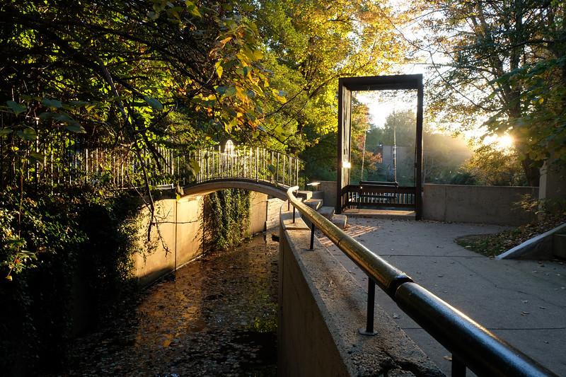 02-Lake-Anne-canal-swing-03-Charlotte-Geary.JPG