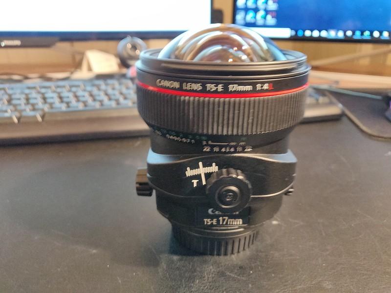 Canon TS-E 17mm 4L Tilt-Shift - Serial UZ0700 003.jpg