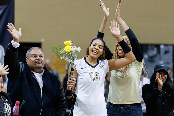 Purdue Volleyball vs Iowa 2018-11-17