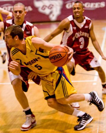 Men's Basketball - Queen's at Ottawa 20090214