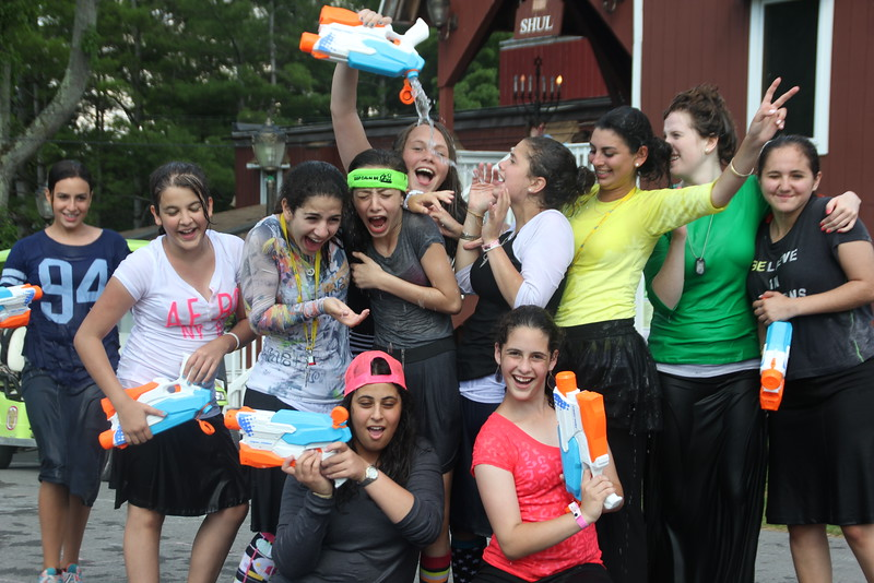 kars4kids_thezone_camp_girlsDivsion_SpecialEvents_WaterDay (22).JPG