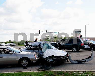 ACCIDENT IN MCHENRY 5 12 2016