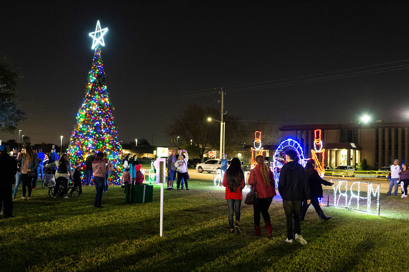 Christmas Tree Lighting_2019_133.jpg