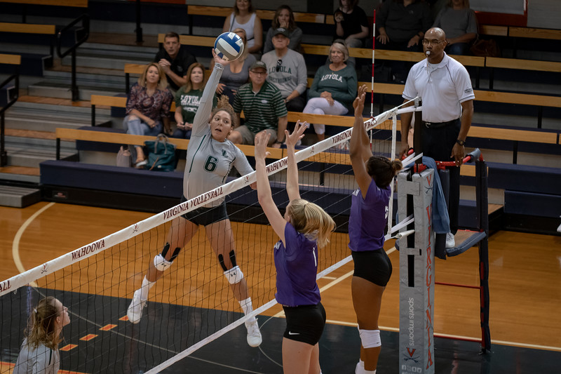 08302019-Loyola-Volleyball-Cropped-17.jpg